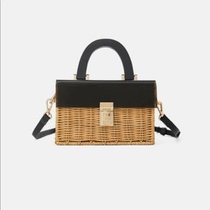 Woven solid bag